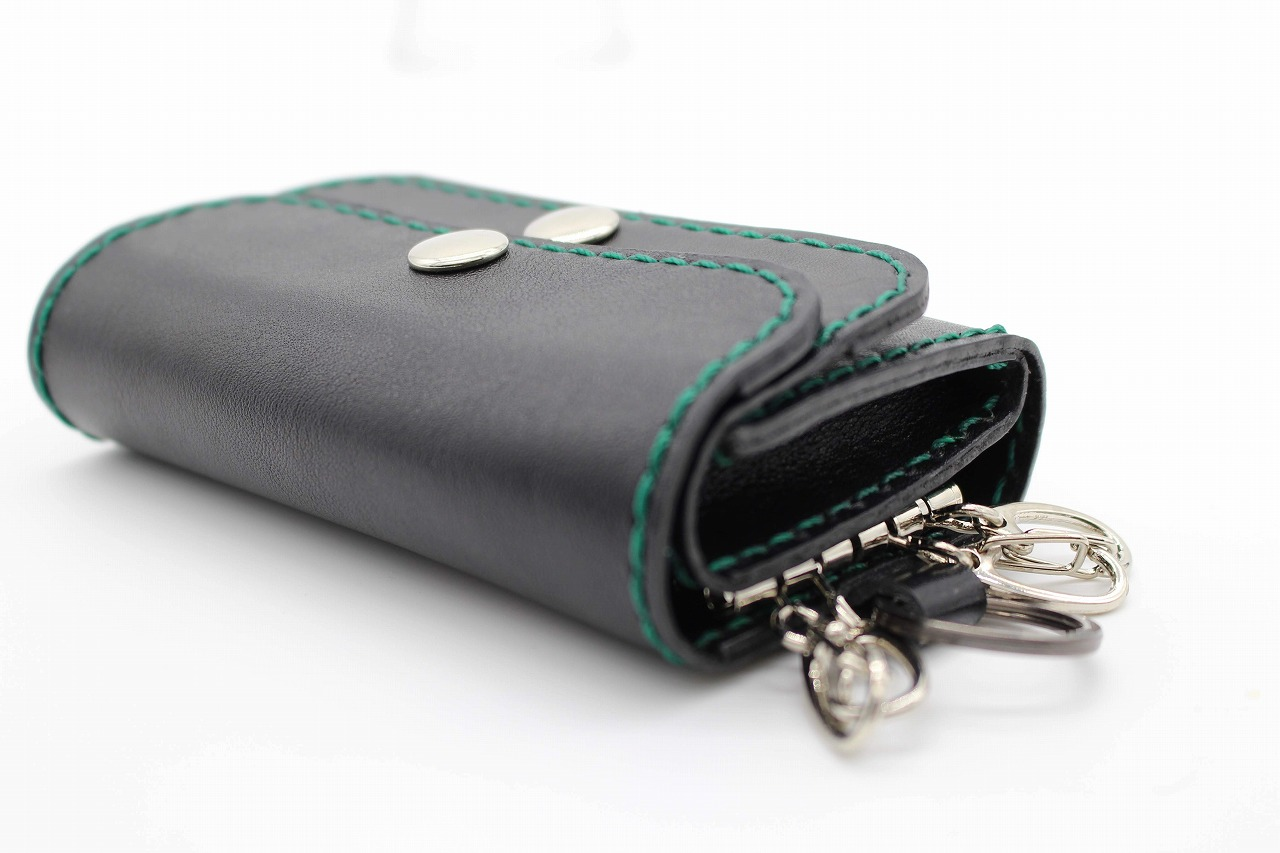 渋い クールな財布はロボティの黒革 オリジナル財布がステキ